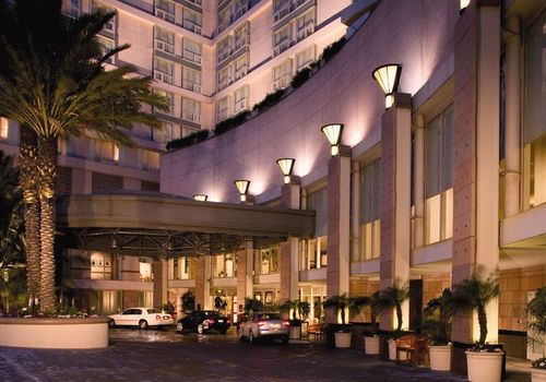 arbisoftimages-19690-laxctr-omni-los-angeles-hotel-exterior-image